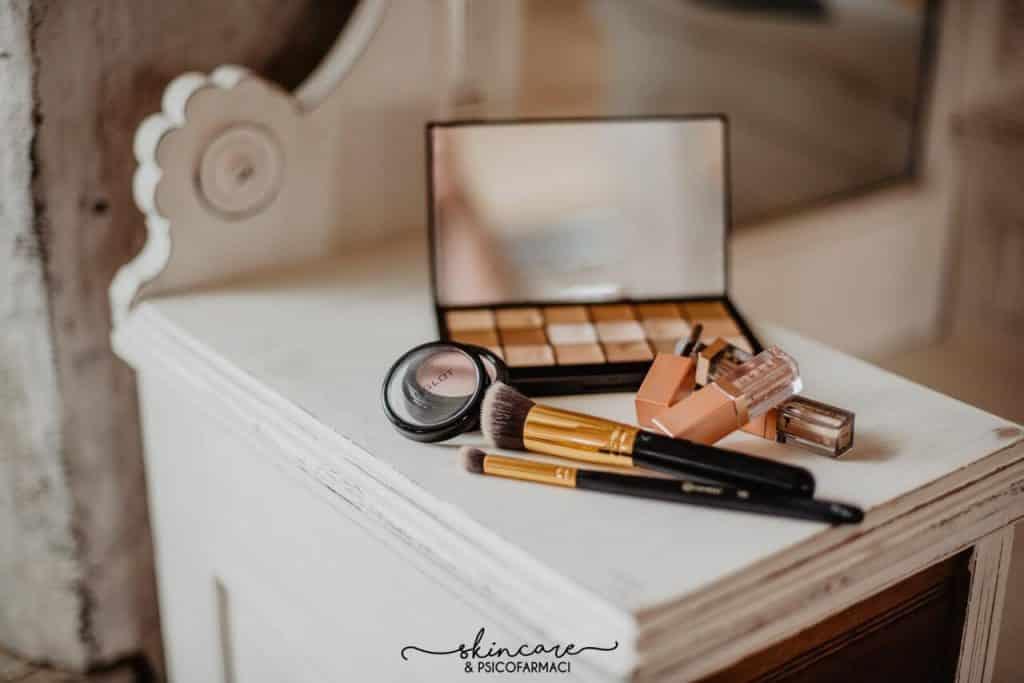 decluttering cosmetici