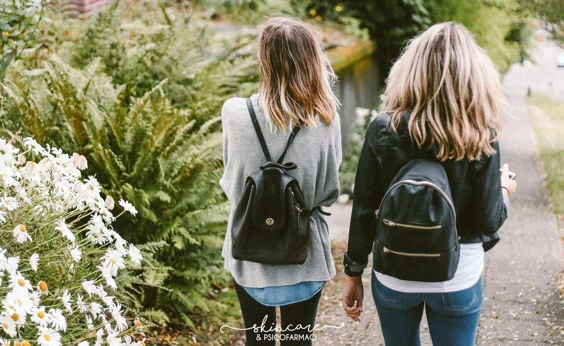 ragazze che camminano